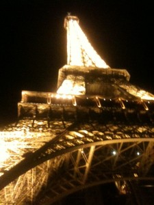 tour eiffel paris blog e1355150189869 225x300 iPhone Daily Pictures #4