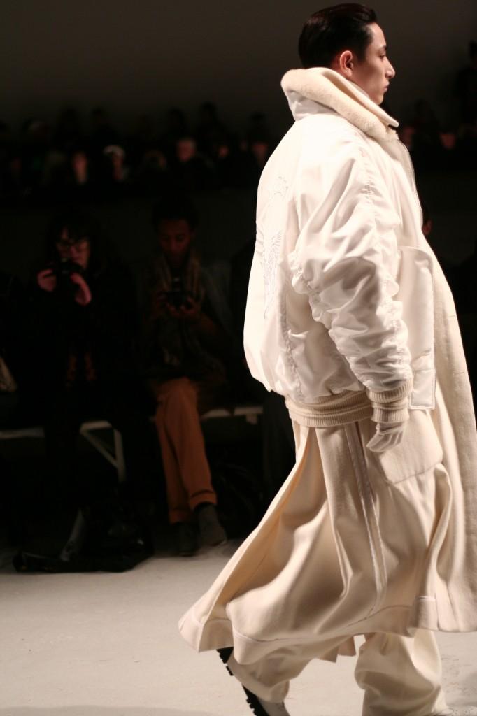 pfw paris fashionweek juunj mode blog mannequin homme 682x1024 Paris Fashion Week Hommes A/H 2013 2014// Défilé Juun J.